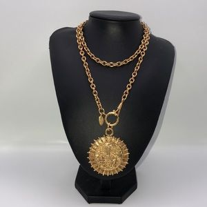CHANEL Jewelry - Authentic Vintage CHANEL Chain Medallion Necklace
